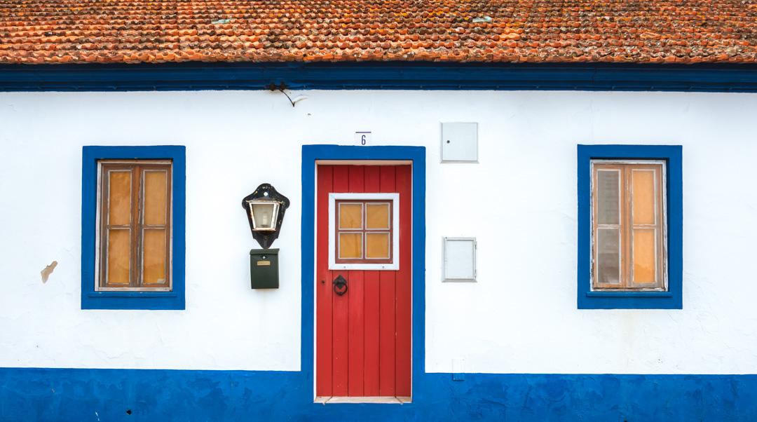 Fachada típica de las casas del Alentejo