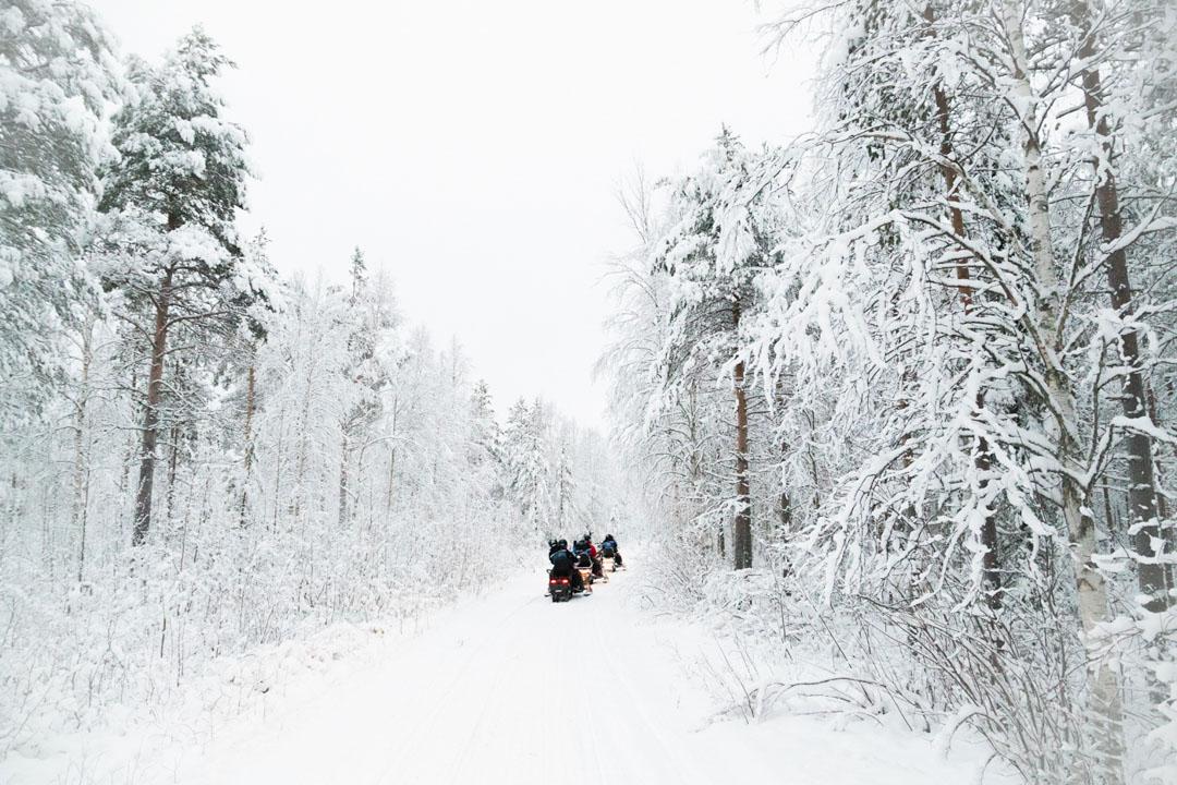 Laponia Papa Noel motos de nieve